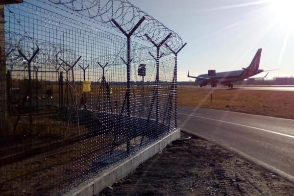 Recinzione per aeroporto di Milano Linate, lavoro eseguito da Retissima